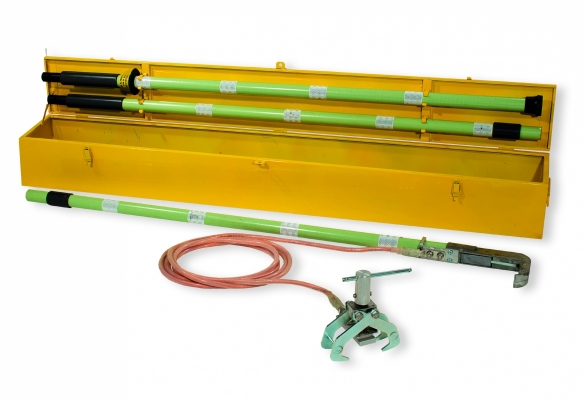 Mobile short circuit device to secure the electric traction lines 25 kVac and 3 kVdc into tunnels